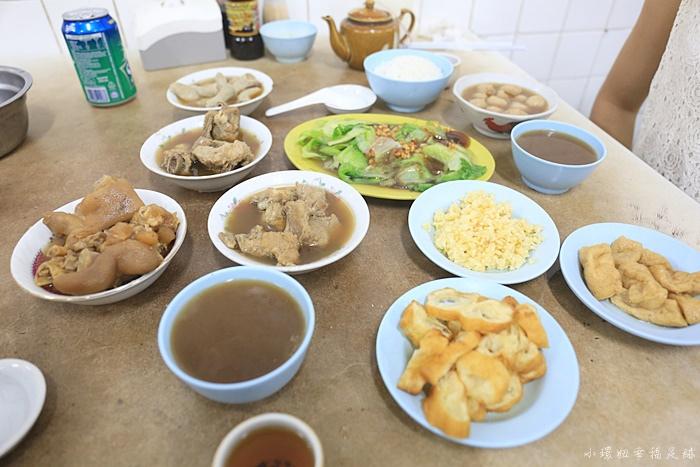 【沙巴美食】佑記肉骨茶,加雅街小吃餐廳,不小心就點滿整桌! @小環妞 幸福足跡