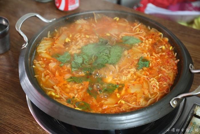 【首爾忠武路站美食】議政府部隊鍋,韓國在地人也愛的餐廳!