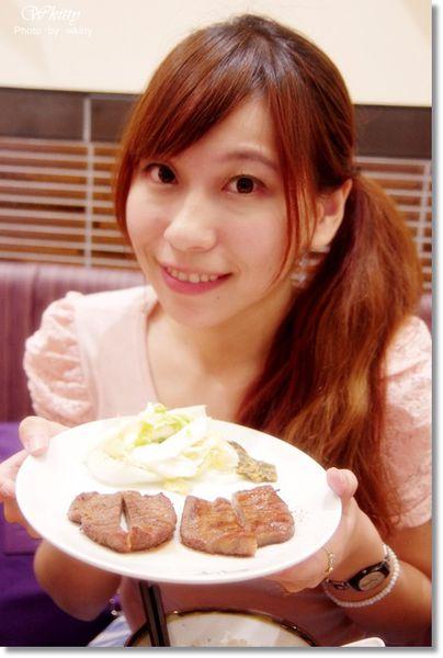 [大阪美食推薦] 利久牛舌,彈在舌尖的美妙炭香味!(4) @小環妞 幸福足跡