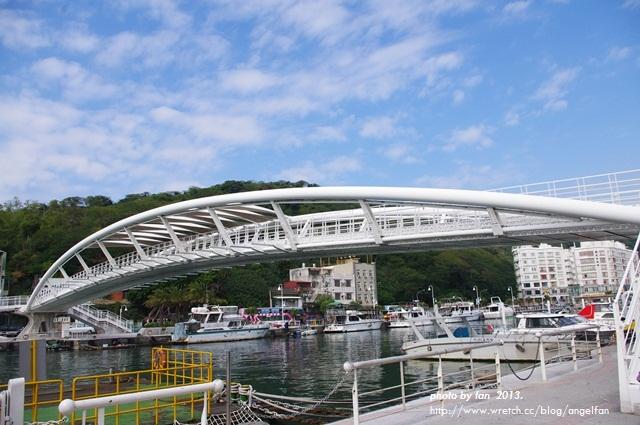 高雄景觀橋 ♥ 在鼓山輪渡站發現巨人弓箭手必備武器