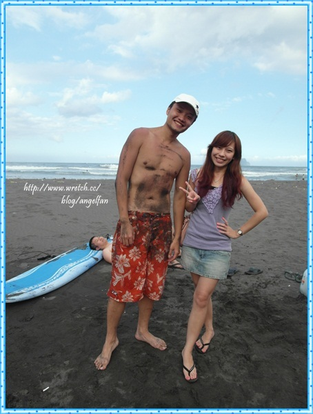 [宜蘭衝浪]雙獅海灘!陽光的我們拿起衝浪板奔向浪頭吧! @小環妞 幸福足跡
