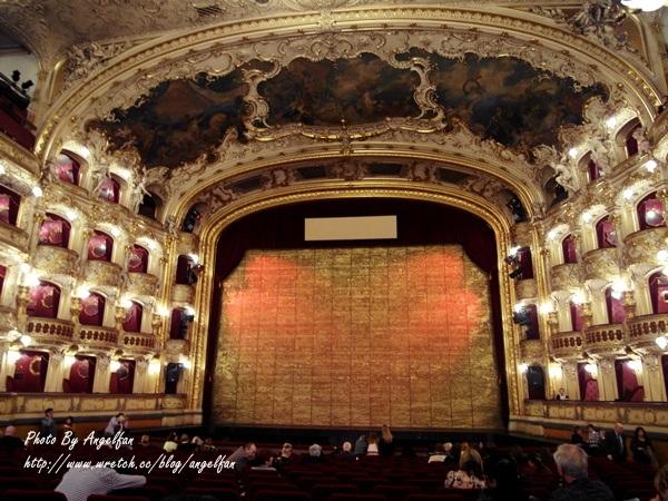 ❤Love in 捷克-10❤穿著正式服裝來正港歌劇院。與浪漫歌劇邂逅吧!!!