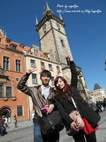 ❤Love in 捷克-9❤歷史悠悠的古老城市Praha~查理大橋。火藥塔。市政廳。天文鐘