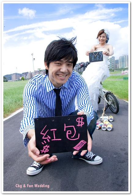 [♥囍♥]LOMO自助婚紗part4 ~腳踏車戀人KUSO婚紗照 @小環妞 幸福足跡
