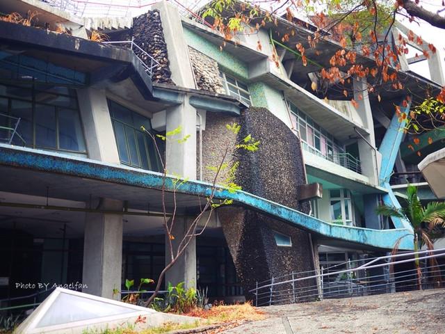 [宜蘭礁溪景點] 礁溪戶政事務所。歪七扭八~霍爾的移動城堡