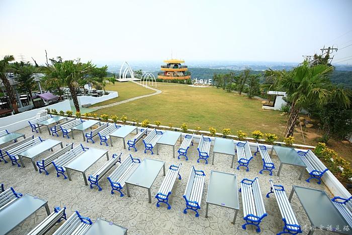 【山丘上景觀餐廳】新竹湖口地中海咖啡館,浪漫造景,夜景迷人 @小環妞 幸福足跡