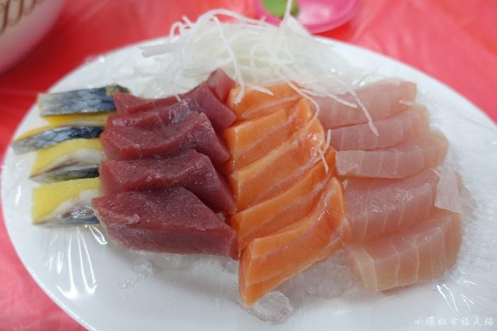 【墾丁後壁湖海鮮】阿興生魚片,滿滿20片只要$100,超推薦海產店