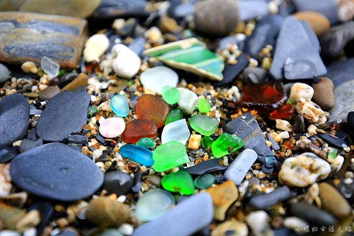 【宜蘭蘇澳秘境】玻璃沙灘,攀爬山壁才到的了的漂亮玻璃沙灘 @小環妞 幸福足跡