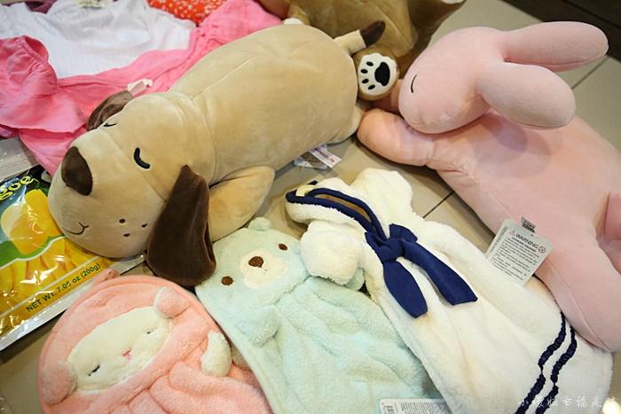 【新加坡戰利品】超市必買伴手禮+小CK購物三款包包,超好買! @小環妞 幸福足跡