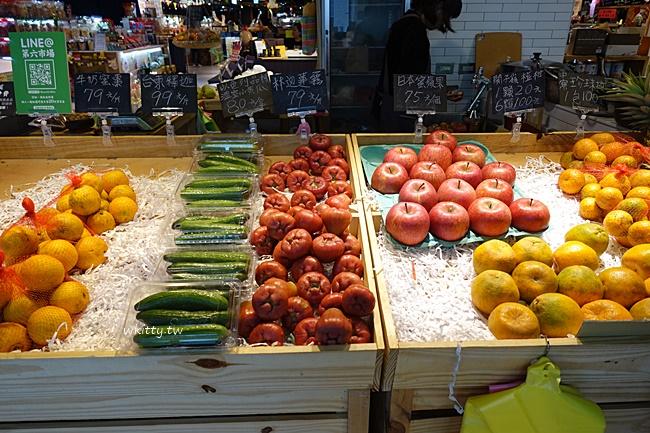 【台中第六市場】逛菜市場吹冷氣?全台第一家百貨公司內的市場 @小環妞 幸福足跡