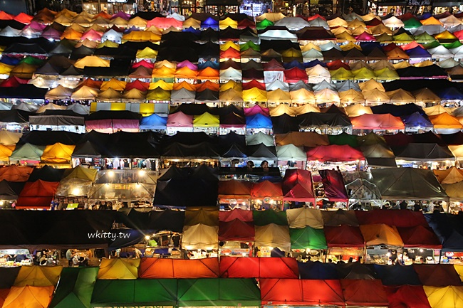 【曼谷拉差達火車夜市】夜拍超美!晚上景點市集,美食小吃一籮筐