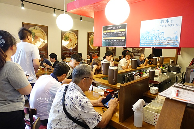【暖暮拉麵名護店】九州第一名拉麵,沖繩名護店不需要大排長龍唷 @小環妞 幸福足跡