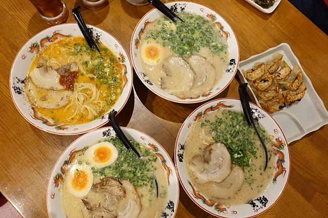 暖暮拉麵名護店-沖繩不太需要排隊的分店-北部行程就安排它 @小環妞 幸福足跡