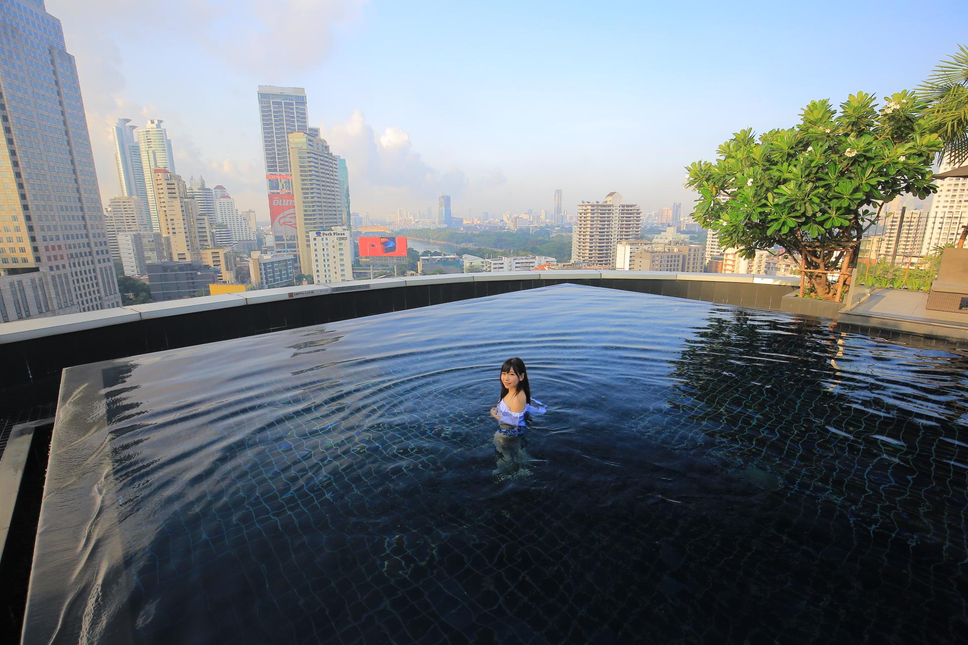 曼谷中心點飯店-曼谷bts住宿推薦-Asok站Terminal 21-無邊際泳池 @小環妞 幸福足跡