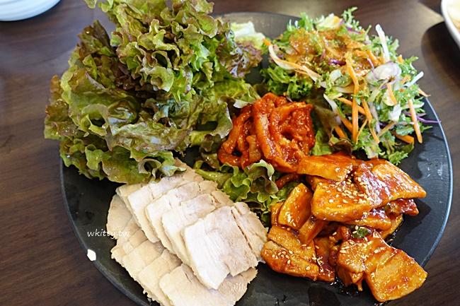 【韓國首爾美食】元祖老奶奶菜包肉,辣豬腳,挑戰你舌頭承受度~ @小環妞 幸福足跡