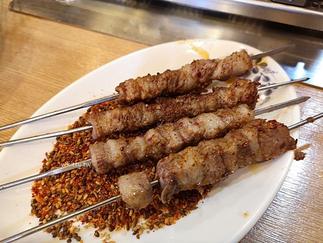 【首爾建大美食】京城羊肉串,媒體報導名店,烤盤自己轉好吃又好玩 @小環妞 幸福足跡