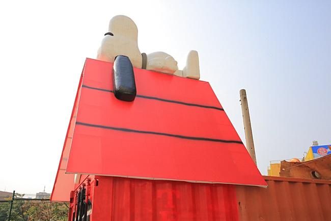 【台中史努比】巨大史努比鐵皮屋,萬寶大樓重現史努比漫畫場景~ @小環妞 幸福足跡