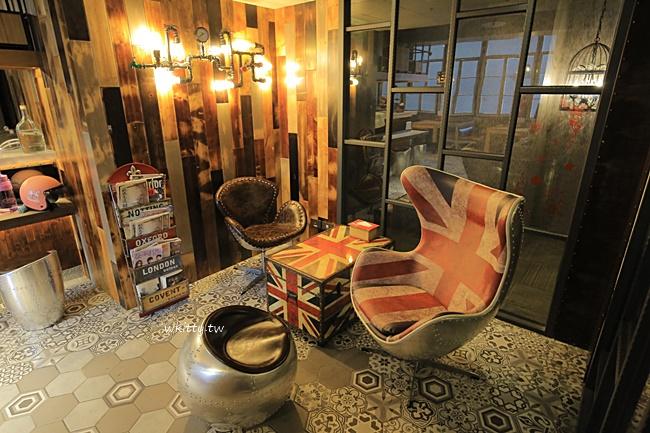 【日出行旅】嘉義便宜住宿,工業風設計,cp值高非常熱門訂房趁早! @小環妞 幸福足跡