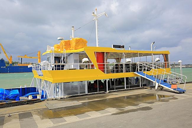 【沖繩不玩水活動】ORCA水底觀光船,潛入海底觀賞魚群,珊瑚礁! @小環妞 幸福足跡