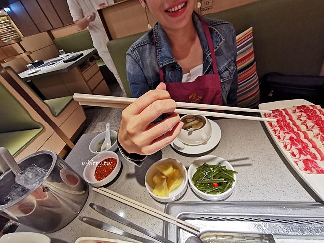 【海底撈】板橋大遠百美食,火鍋美味,服務一級棒,美甲,京劇,遊戲區! @小環妞 幸福足跡