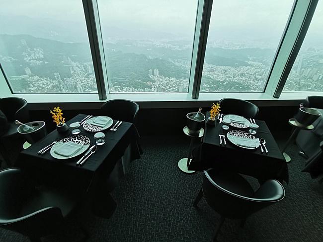 【台北高級牛排】 隨意鳥地方,101大樓85F景觀餐廳,奢華美食美景 @小環妞 幸福足跡