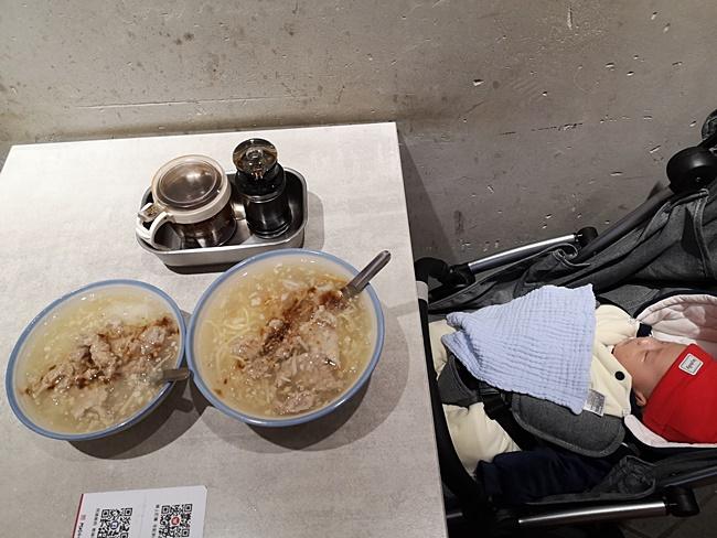 【宜蘭必吃】阿娘給的蒜味肉羹,濃郁蒜頭味,湯頭超讚!原北門蒜味肉羹 @小環妞 幸福足跡