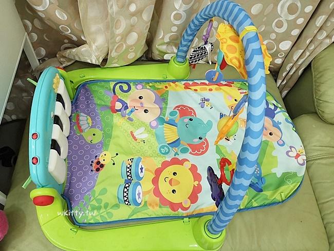 【費雪健力架踢踢琴】育兒神器推薦,寶寶超愛的嬰兒玩具,爸媽輕鬆很多 @小環妞 幸福足跡
