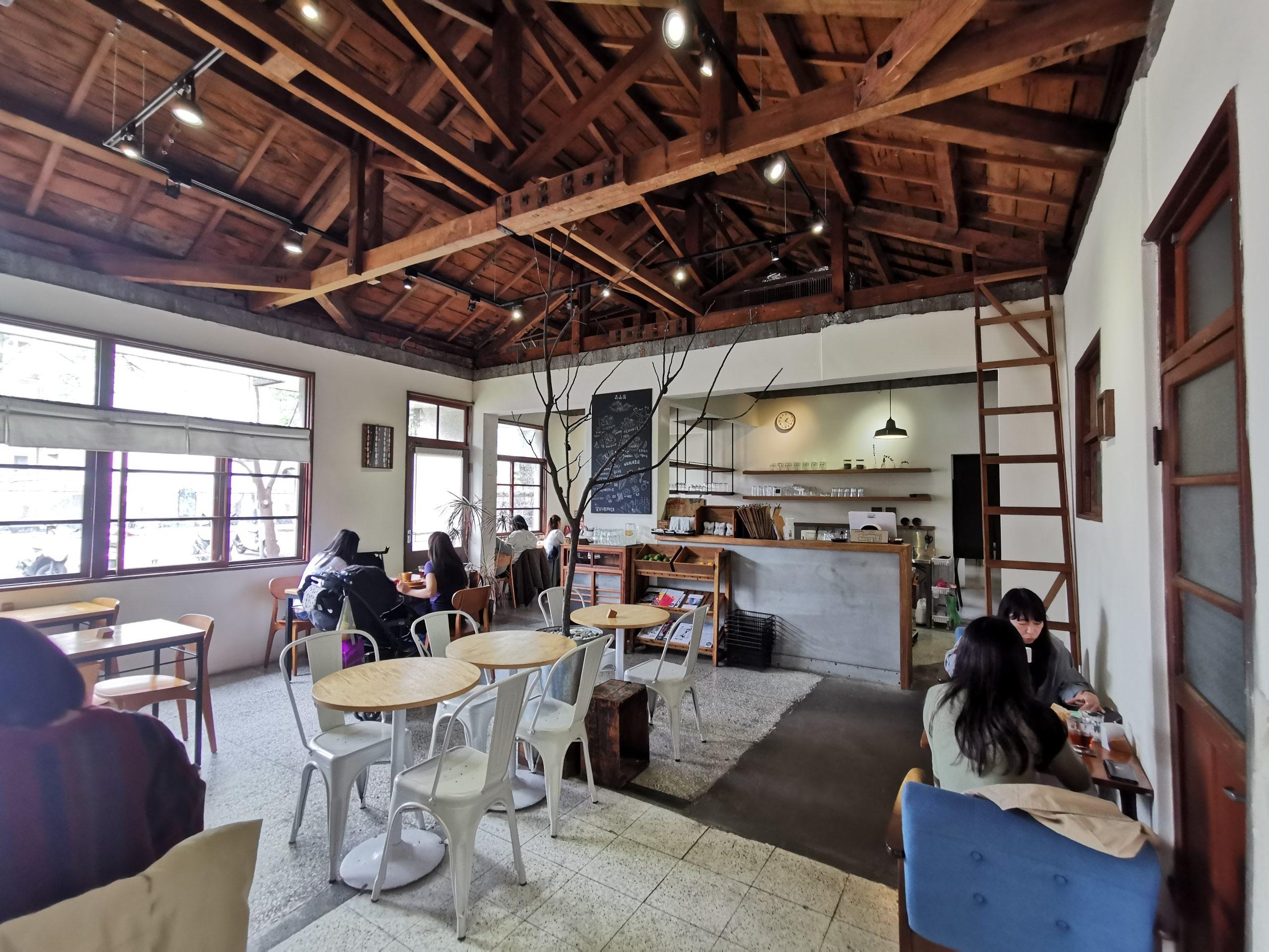 【花蓮咖啡廳】森山舍,日式老屋早午餐景觀餐廳,絕美窗景就在這! @小環妞 幸福足跡
