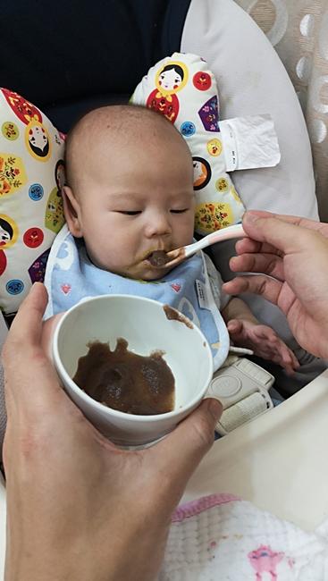 【4-5m寶寶副食品食譜】黑木耳泥製作,解決寶寶脹氣或幫助排便 @小環妞 幸福足跡