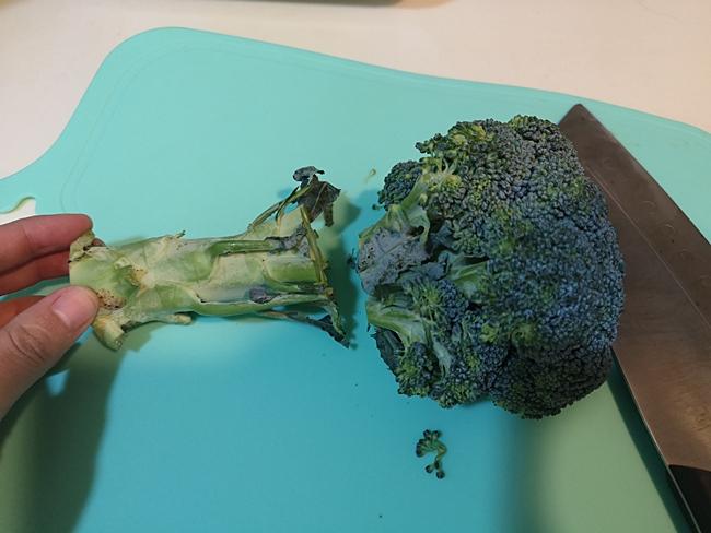 【寶寶副食品4-5m】花椰菜泥,花椰菜米糊,營養超豐富的超級蔬菜 @小環妞 幸福足跡