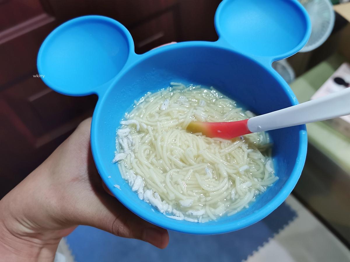 【bumkins迪士尼餐具組二團】kitty餐盤有貨女寶媽必搶!超好用矽膠吸盤餐盤/餐碗,迪士尼聯名 @小環妞 幸福足跡
