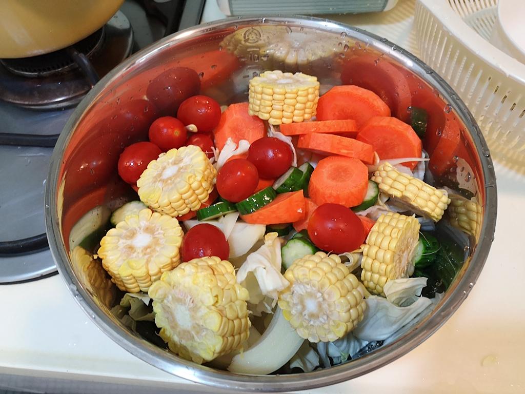 【寶寶副食品蔬菜高湯】五倍粥變美味了,我為寶寶熬煮了蔬菜高湯 @小環妞 幸福足跡