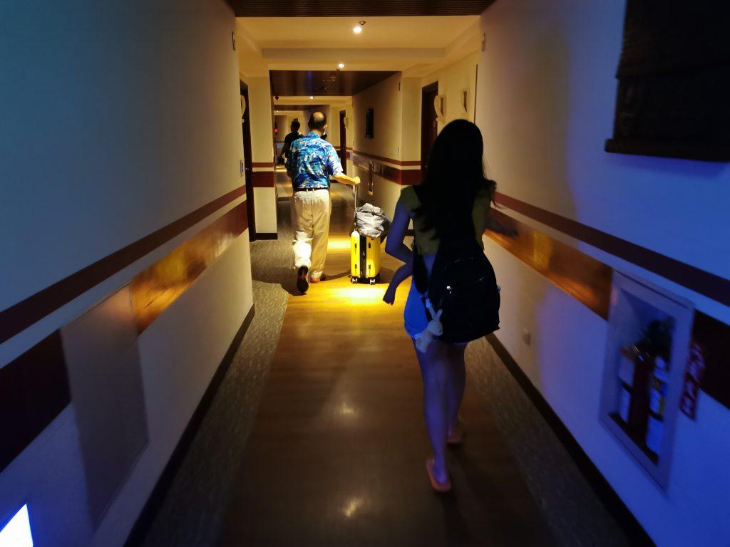 【墾丁親子飯店】福華渡假飯店,走路就到墾丁大街/小灣沙灘,設施超多,玩翻了! @小環妞 幸福足跡