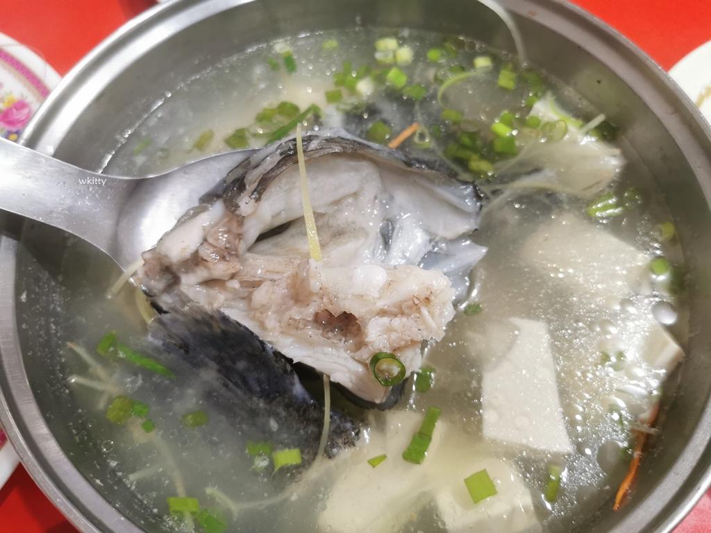 【萬里海鮮餐廳】溪嫂活海鮮,回頭客多,老饕推薦餐廳,位於野柳隧道旁 @小環妞 幸福足跡